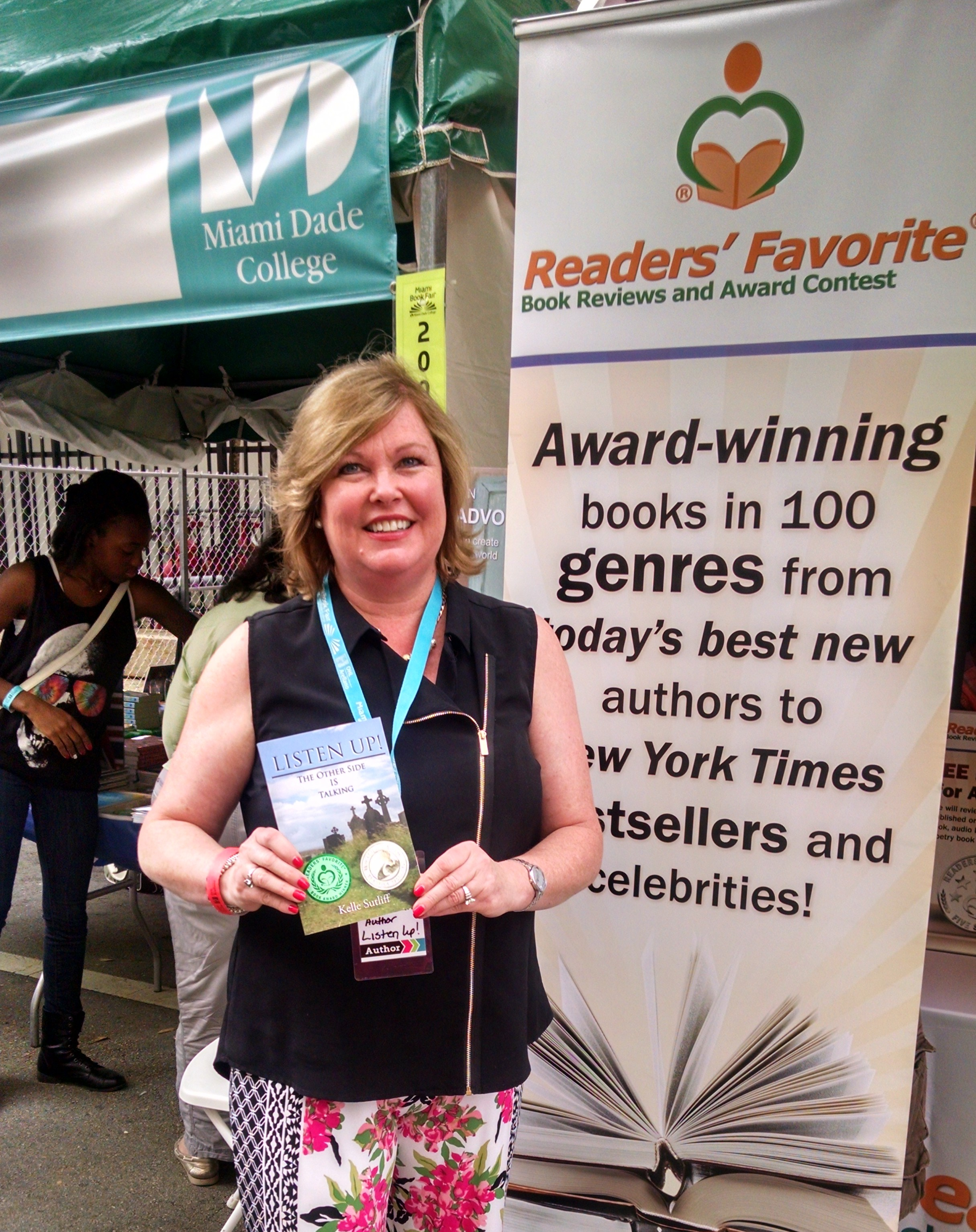 Author Kelle Sutliff Readers' Favorite Book Award Winner