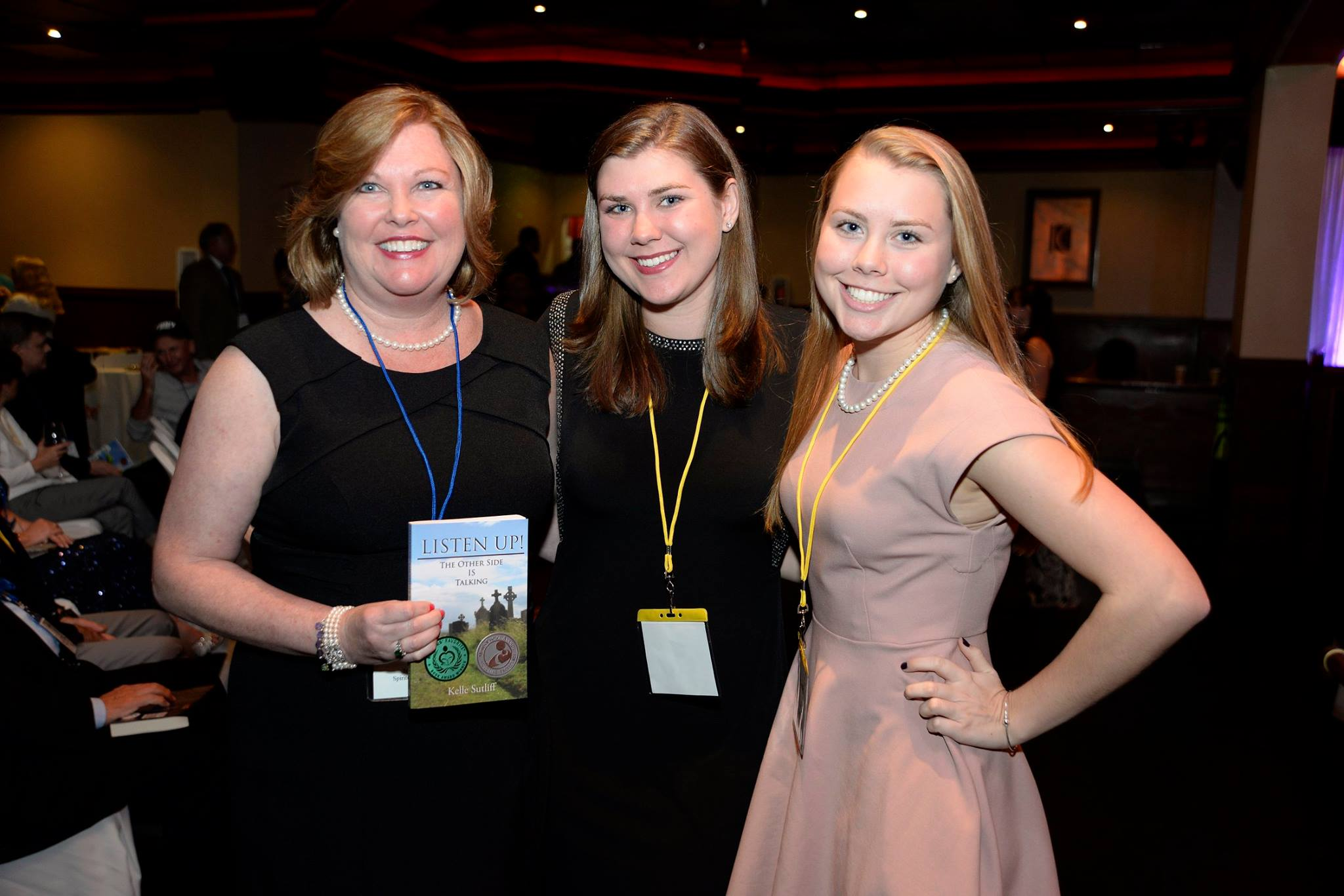 Kelle Sutliff and Daughters at Readers' Favorite Award Ceremony