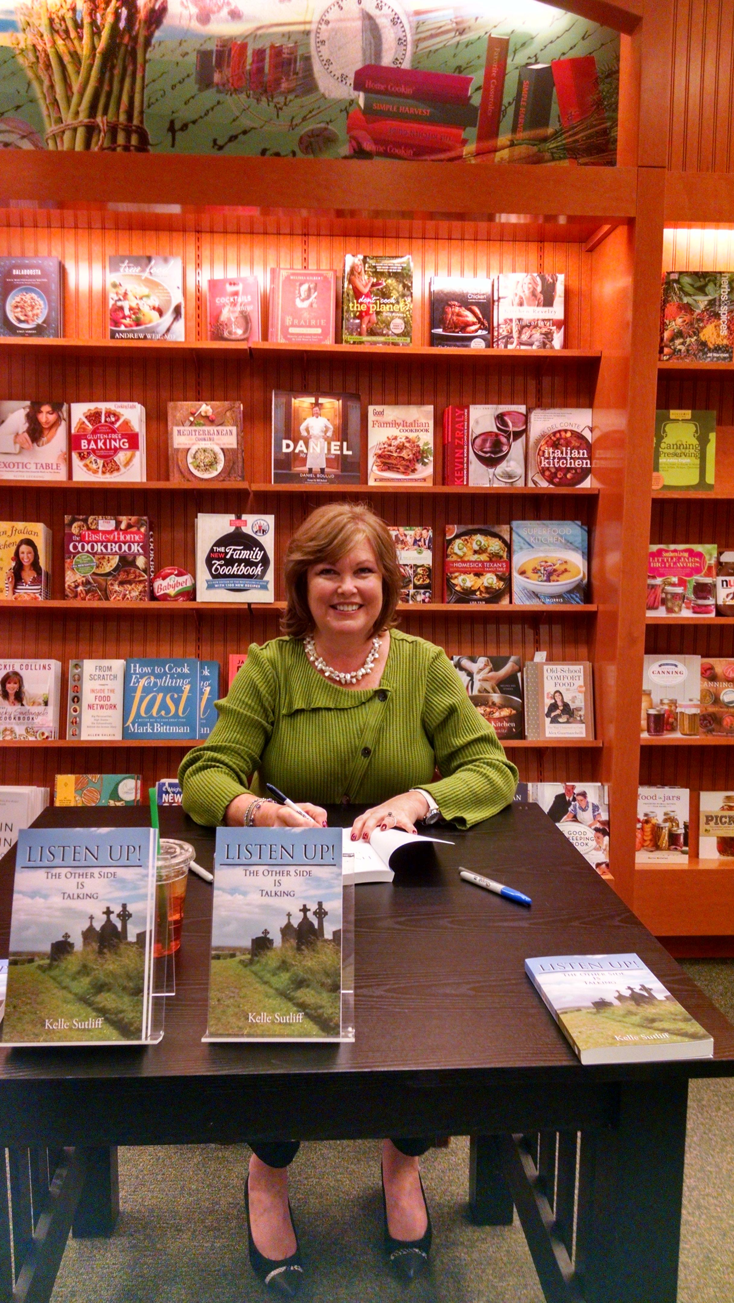 Kelle Sutliff Book Signing Barnes & Noble